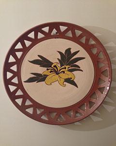 Plato de cerámica artesanal decorativa